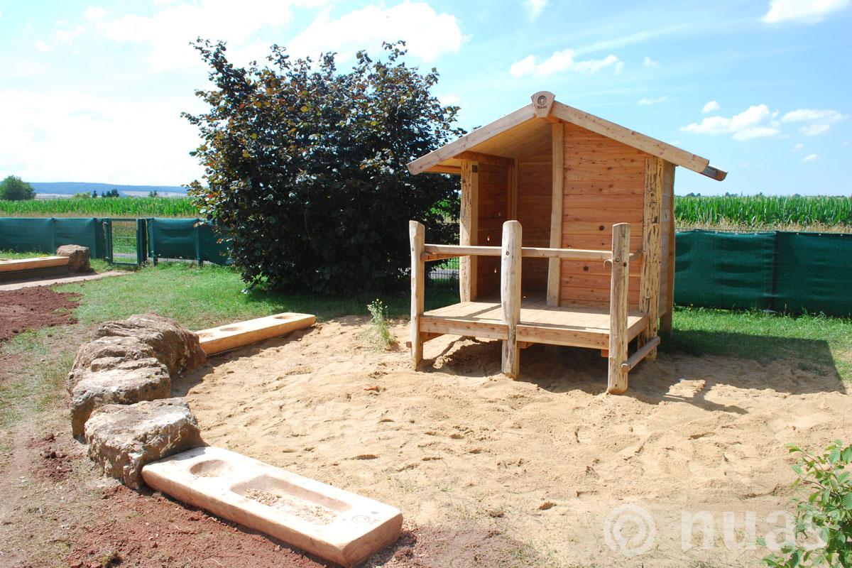 nuas Plattformhaus mit Sandküche - Spielhaus