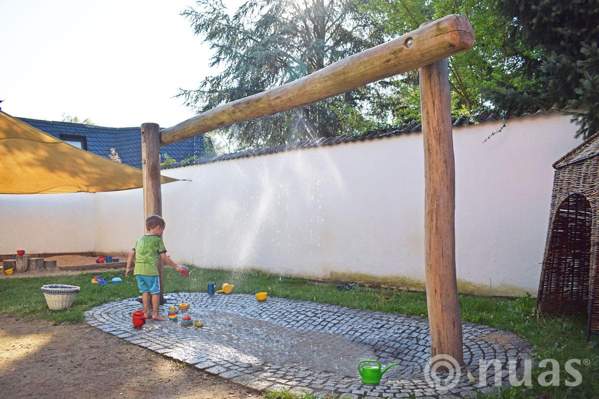 Naturspielraeume U3 Tropfbogen nuas Wasserspiel